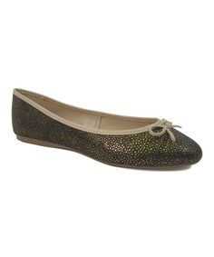 Featuring a metallic sheen and playful pattern, this ballet flat will be a versatile addition to your closet. Green Shoes, Ballet Flats, Black Gold, Chelsea, Products, Women, Fashion, Flats, Ballet Flat