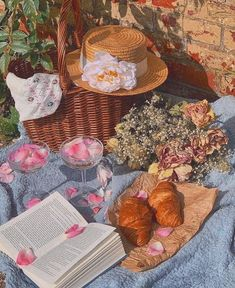 Spring Aesthetic, Nature Aesthetic, Aesthetic Food, Aesthetic Vintage, Aesthetic Wallpapers, Aesthetic Pictures, Wall Collage, Cottage, Retro