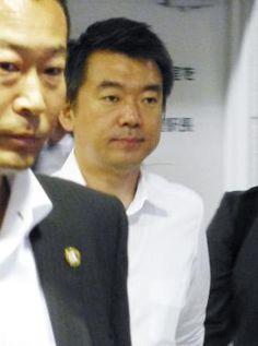 石原共同代表と会談するため、名古屋市内のホテルに向かう日本維新の会の橋下共同代表=28日午後 ▼28May2014共同通信|日本維新の会が分裂へ 橋下、石原代表が合意 http://www.47news.jp/CN/201405/CN2014052801001794.html #Toru_Hashimoto #Japan_Restoration_Party #Nippon_Ishin_no_Kai