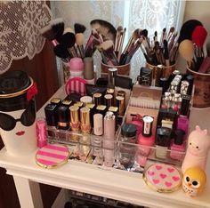 Image via We Heart It https://weheartit.com/entry/177584816/via/17378701 #beauty #cosmetics #makeup
