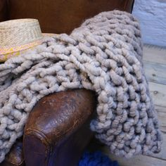 Alpaca Throw Knitting Kit Camel now featured on Fab. Knitting Kits, Knitting Projects, Crochet Projects, Knitting Patterns, Chunky Knit Throw, Chunky Knits, Extreme Knitting, Alpaca Throw, Simply Crochet