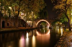 Donker Utrecht - Jacobibrug over Oudegracht Utrecht, Holland, Places, Travel, Rocks, Memories, Future, Products, The Nederlands