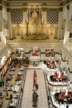 Wanamaker building with organ, Philadelphia, Pennsylvania © Sydonia Lucchesi