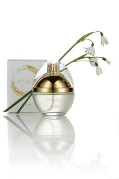 A modern, spicy floral scent that embraces every woman's inherent power. Beauty Secrets, Fragrances, Zen, Spicy, Perfume Bottles, Floral, Modern, Trendy Tree, Flowers