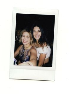 Hailey Baldwin and Kendall Jenner Moda Instagram, Hailey Baldwin, Photo Polaroid, Polaroid Ideas, Claudia Tihan, Bff Pictures, Polaroid Pictures Tumblr, Kendall And Kylie Jenner, Kardashian Jenner