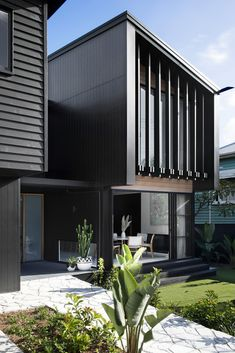 Best Amazing Small Modern House Design Plants Ideas And Exterior Decor Facade Design, Exterior Design, Modern House Design, Home Design, Design Ideas, Modern House Facades, Duplex Design, Contemporary Design, Design Trends