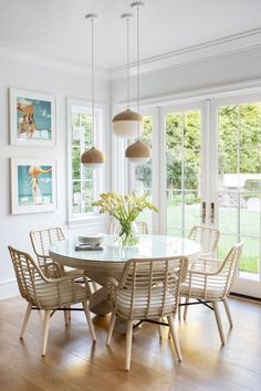 """31 Nice Transitional Dining Room Design Ideas - When you think of """"family dinner"""" what comes to mind? Sixty years ago you would have instantly thought of the average family of four sitting comfortab. Dining Nook, Round Dining Table, Dining Room Design, Dining Room Table, Dining Chairs, Sunroom Dining, Dining Corner, Rattan Chairs, Round Chair"""