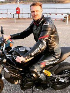 Motorcycle Leather, Motorcycle Jacket, Biker, Suits, Jackets, Fashion, Down Jackets, Moda, Fashion Styles