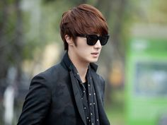 Jung II Woo with sunglasses