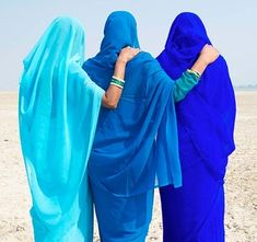 Blue veiled women. #veiled #blue #photography