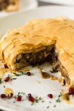 Filled with tempeh bacon, mushrooms, and apples. Wrapped in flaky phyllo dough. A hearty vegan roast filled with tempeh bacon, mushrooms, and apples wrapped in phyllo dough. Vegan Thanksgiving Dinner, Vegan Christmas, Thanksgiving Recipes, Holiday Recipes, Holiday Meals, Christmas Recipes, Christmas Ideas, Vegan Ham Recipe, Vegan Recipes