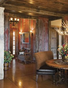 Gorgeous Rustic look. My dream home as far as the walls go. Western Decor, Rustic Decor, Western Office, Rustic Entryway, Bodega Bar, Western Homes, Rustic Homes, Maine House, The Ranch