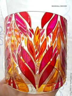Glass Painting Patterns, Glass Painting Designs, Stained Glass Patterns, Glass Bottle Crafts, Bottle Art, Drawing Cup, Mirror Crafts, Stained Glass Paint, Painted Cups
