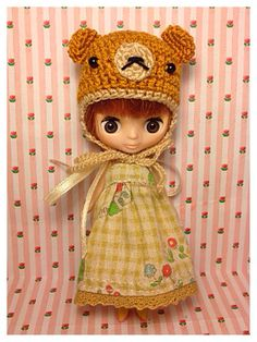 "Petite Blythe / Little Dal Outfit : ""Brownie & Bear Mini Set"" (Dress and Crochet hat)"