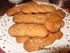 Πριν λίγο καιρό είχε έρθει στο σπίτι η βαφτιστήρα μας – η μικρούλα Στεφανία - μαζί με την γιαγιά της την Γεωργία . Μας έφεραν λοιπόν κάτι π... Greek Sweets, Brownie Cookies, Greek Recipes, Pretzel Bites, Biscotti, Treats, Desserts, Food, Brownies