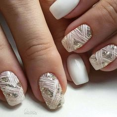 You don't have to be a professional manicurist to develop magnificent nail designs. With some practice, a proven method and the step-by-step guides, you'll be making your very own nail art in no time. Silver Nails, Nude Nails, Nail Manicure, White Nails, My Nails, Nail Polish, Glitter Nails, White Manicure, Yellow Nail