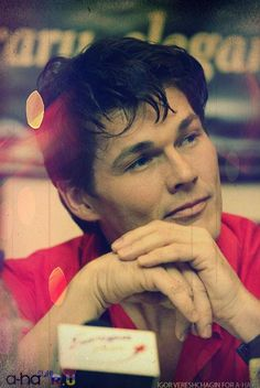 Love this picture of Morten Harket; he seems so peaceful❣
