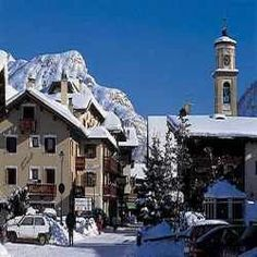 Livigno ♡ what a beautiful place ♡ awesome memories ♡ Great Places, Places Ive Been, Beautiful Places, Amazing Places, Welcome Winter, Go Skiing, Lake Garda, Lake Como, Travel Memories