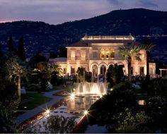 Top 5 Dream Wedding Venues on the French Riviera. Outrageously romantic. Villa Ephrussi de Rothschild