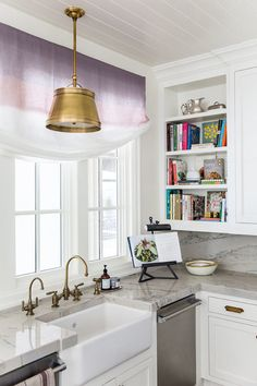Kitchen Counter Decor Simple Open Ideas Of Using Open Kitchen Wall Shelves Shelterness. Black Kitchen Cabinets: Pictures Ideas Tips From HGTV . Kitchen In Blue Kitchens Kitchen Design Kitchen . Home and Family Interior Exterior, Interior Design Kitchen, Gray And White Kitchen, Gold Kitchen, Bar Kitchen, Blogger Home, Beautiful Kitchens, Open Shelving, Shelving Ideas