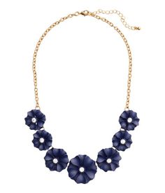 H&M Short Necklace with Flowers $9.99