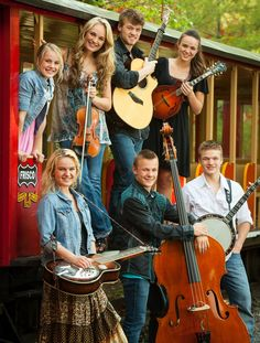The Willis Clan - Singers, Songwriters, Performers from Nashville, Tennessee USA