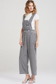 59dae7012f57 Melanie Square Gingham Romper-Black Discover the latest fashion trends  online at storets.com