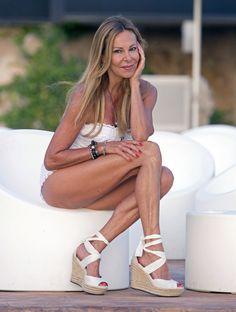 Ana Obregón's Feet << wikiFeet