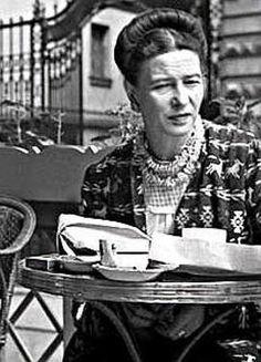 Risultati immagini per simone de beauvoir Jean Paul Sartre, Feminist Men, Peter Lindbergh, Real Women, Girl Power, The Dreamers, Che Guevara, Writer, Author