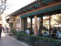 Classic Cup is a fabulous Country Club Plaza restaurant that embraces the ambiance of the Spanish-style architecture and European feel of the Plaza.