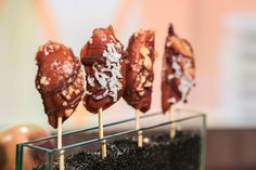 Great way to have caramel apples without the mess!  the chew | Recipe  | Clinton Kelly's   Caramel Apple Pops