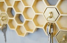 "Designer Luz Cabrera in collaboration with Malorie Pangilinan have designed ""Honey I'm Home"", a beehive-shaped key holder with matching keychains. Honeycomb Shape, Creation Deco, Retro Chic, Decoration, Industrial Design, Home Accessories, Cool Designs, House Design, Behance"