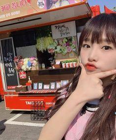 Gift truck for 오리 🚙🐤 Kpop Girl Groups, Kpop Girls, Secret Song, Sakura Miyawaki, Japanese Girl Group, Famous Girls, First Love, My Love, 3 In One