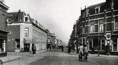 1930 Hoefkade, gezien van nabij de Van Dijckstraat (links) en de Jacob Marisstraat (rechts), naar de Oranjelaan