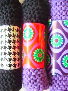 ROMULYYLI - clever wrapping for crocheted dishcloths - use tp rolls with wrapping or scarpbook paper