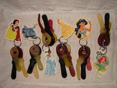 zelfgemaakt: prinses sleutelhangers voor de meisjes