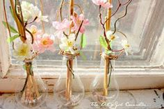 How amazing do these vases - made from old light bulbs - look?
