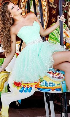 Super cute short mint dress... I need this for homecoming!