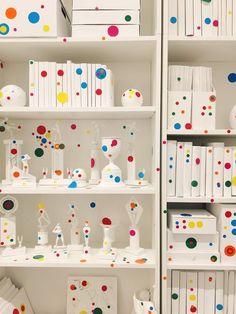 Yayoi Kusama: Infinity Mirrors — Those Who Wandr Yayoi Kusama, Conceptual Art, Surreal Art, Hirshhorn Museum, Most Popular Artists, Collaborative Art Projects, Infinity Mirror, Japan Art, Art History