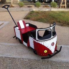 VW Bus For Kids Volkswagen Bus, Vw T1, Combi Vw, Vw Vintage, Bus Camper, Pedal Cars, Vw Beetles, Campervan, Old Cars