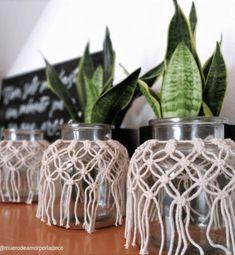 Macrame Wall Hanging Patterns, Macrame Patterns, Ideas Bonitas, Painted Wine Bottles, Macrame Design, Macrame Tutorial, Macrame Projects, Boho Diy, Plant Hanger