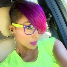 "STYLIST FEATURE| How dope is this #haircut✂️ on #BrentwoodStylist @NatachaFontin spotted by @therealaikolove Love the color, so edgy #VoiceOfHair ========================== Go to VoiceOfHair.com ========================== Free eBook, ""Let Your Hair Speak for Itself"" for more hair inspiration =========================="