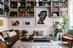 high shelving that may look good in master bedroom bench seating that may look good in living room my scandinavian home: pink walls, book shelves and art in Karolina Modig's beautifully creative Stockholm home My Living Room, Home And Living, Living Spaces, Salon Interior Design, Interior Design Inspiration, Ikea Interior, Modern Interior, Decoration Salon Photo, Deco Studio