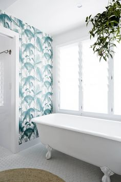 Best Bathroom Finalist in the 2015 Remodelista Considered Design Awards not normally a fan of wallpaper, but this I love! Byron Beach, Real Living Magazine, Timber Beams, Interiors Magazine, Best Bath, Modern Bathroom, Bathroom Ideas, Bathroom Small, Simple Bathroom
