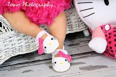 PATTERN Hello Kitty Inspired Baby Shoes  Sizes 17  by solesearch, $6.50
