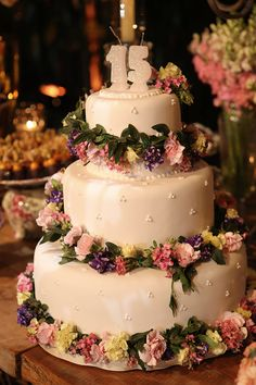 Andresa Biral Monteiro comemorou os 15 anos em uma festa linda com tema Primavera! Flavia Boutros cuidou da assessoria do grande dia! Funny Art, Funny Design, Celebrity Weddings, Wedding Designs, Wedding Cakes, Bridal Shower, Birthday, Party, Inspiration