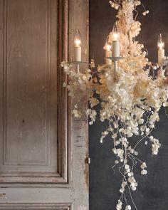 Hanging dried florals, very organic shape Flower Shop Design, Floral Design, Floral Wedding Decorations, Wedding Flowers, Hanging Flowers, Paper Flowers, Fleur Design, Flower Chandelier, Flower Installation