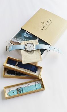 Christmas Gift Box on sale for US$250 which comes with any watch and any three interchangeable straps.
