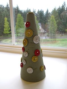 Button and Nail Christmas Tree Craft - Pinned by @PediaStaff – Please visit http://ht.ly/63sNt for all (hundreds of) our pediatric therapy pins
