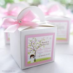 Caja personalizada para bautizos Baptism Favors, Baptism Party, Mug Printing, Ideas Para Fiestas, First Holy Communion, Party In A Box, Party Favor Bags, Event Organization, Paper Cards